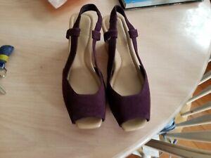 Easy Spirit Sandals Size 8.5