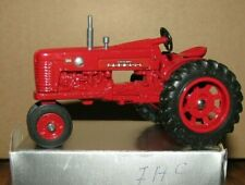 IH Farmall 300 Tractor 1/43 Ertl 1984 National Farm Toy Show Die Cast Vintage