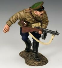 KING & COUNTRY FALL OF BERLIN RA040 RUSSIAN INFANTRY COMBAT LEADER MIB