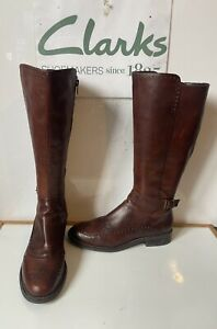 Clarks Comfy Brown Leather Brogue Boots Size UK 5.5 EU 39