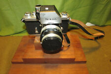 Vintage NIKON F Camera  with Nikkor-s 1:4 50 mm Lens working