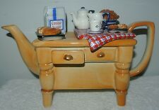 PAUL CARDEW DESIGNS ENGLAND SIGNED BAKERS _BAKERY TEAPOT L/43