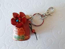 Bijou de Sac ou Porte-Clés Seau Fleuri Rouge en cuir Perles + Strass 5 cm Neuf