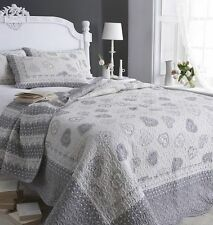 Machine Washable Traditional Decorative Patchwork Quilts