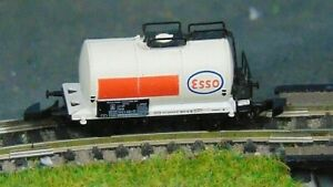 ESSO tank wagon     by MARKLIN   Z Gauge     (C)