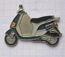 MOTORROLLER SIR 125 / grün....................... Motorrad-Pin (113k)