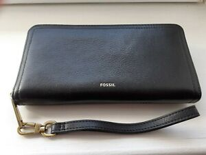 Fossil Black Large Zip Around Leather Purse With Detachable Wrist Strap