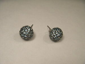 Beautiful 14K White Gold Blue Topaz Sphere Ball Stud Earrings Studs