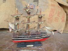Ancienne maquette bateau ancien voilier  naval  caravelle marine flying cloud