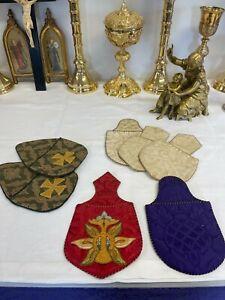 A beautiful set of 7 collection offertory bags. Various hand Silk, Cira 1880