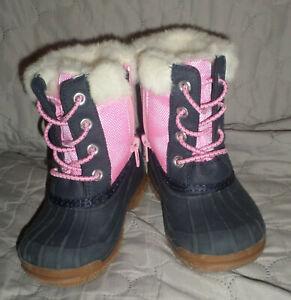 EUC OshKosh B'Gosh Girls' ORCA Boots Navy/Pink 5 M US Toddler