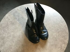 Girls Clarks boots in black, zipped with decorative buckle size 11 1/2