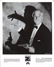 """""""NAKED GUN 2 1/2""""-ORIGINAL PHOTO-LESLIE NIELSEN-REVOLVER"""