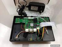 Multimedia Gehäuse mit Power-Button, Netzteil, Mainboard, Kabel usw., an Bastler