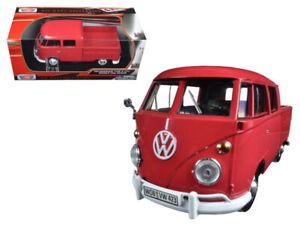 Motormax 79343 Volkswagen Type 2 T1 Double Cab Pick Up Truck 1:24 Red
