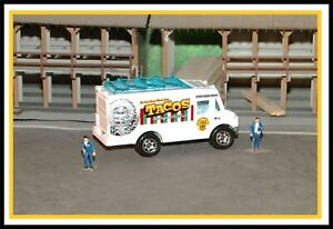 Matchbox: HO Scale _ 2013 / 2019 _ Food Truck / Chow Mobile _ Taco Truck