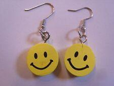 Ohrringe lachender runder gelber Smiley aus Holz Gesicht beidseitig 2725