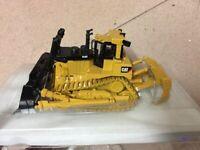 Norscot Caterpillar Cat D10T Track-Type Bulldozer 1:50 Metal Tracks 55158 No Box