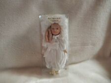 CHRISTMAS 7'' INCH PORCELAIN DOLL W/LONG BLOND CURLS/WHITE OUTFIT ORN-NEW-BOXED