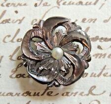 Beau bouton ancien en nacre sculptée décor fleurs collection 1900 French button