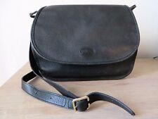 Beau  sac vintage LONGCHAMP cuir noir porté épaule ou en bandoulière TBE
