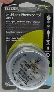 Tork Twist-Lock Photocontrol Outdoor Light Sensor 120 VAC Time Delay RKP503