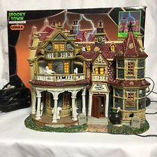 Lemax Spooky Town Collection Black Cauldron Inn Porcelain Lighted House 2002