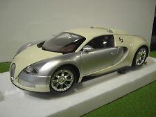BUGATTI VEYRON l' Edition Centenaire 1/18 MINICHAMPS 100110854 voiture miniature