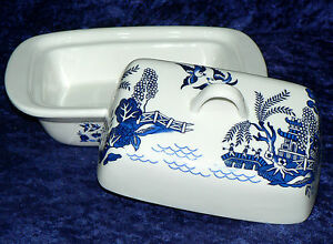 Blue Willow pattern porcelain traditional deep white butter dish
