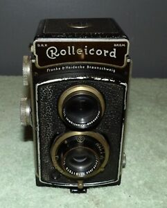 Rolleicord TLR Camera w/ Carl Zeiss Jena Triotar 3.5 75mm Lens