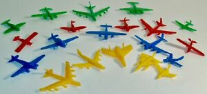 VINTAGE MIXED LOT OF 20 TOY PLASTIC AIRPLANES