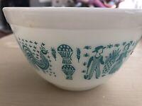 Vintage Pyrex 1 1/2 Qt 401 Blue Amish Butterprint Round Mixing Bowl