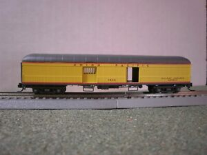 WHEEL OF TIME UNION PACIFIC HARRIMAN 60' BAGGAGE-EXPRESS CAR STREAMLINED COLORS
