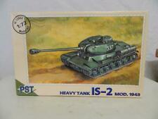 PST 1:72 Plastic Model Kit Heavy Tank IS-2 MOD 1943 Box 72002
