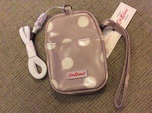 New Cath Kidston Universal Gadget Pouch Case Button Spot Fawn Oilskin - Phone