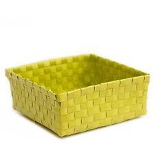 Bauli e casse verde in plastica per la casa