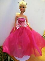 Barbie Original Doll blonde earrings ring high heels pretty pink skirt & dress