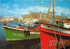BG6122 los cristianos barcazas de pesca en el puerto ship bateaux   spain