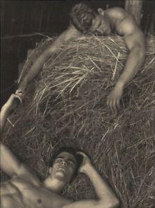 1999 Bruce Weber 2 Male Models Bare Chest Sleeping On Straw Art Photo Gravure