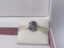 New w/BOX RETIRED Pandora Mystic Floral Black CZ's Charm #791409CZ Flower