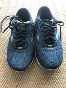 Brooks trainers size 3.5