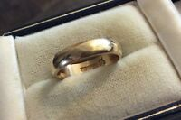 Lovely Quality Vintage Full Hallmarked Solid 9 Carat Gold Wedding Band Ring S.H.
