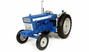 1:16 Ford 5000 1964 Model Tractor. Die Cast Replica. Universal Hobbies UH2705