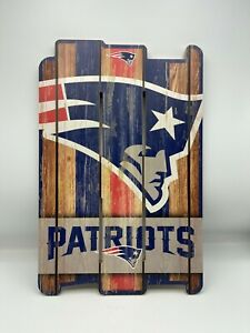 New England Patriots Sign 11x17 Wood Fence Style