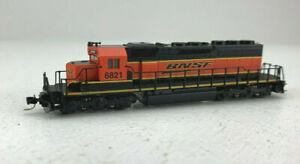 Z Scale Micro-trains BNSF SD40-2 Diesel Locomotive RD# 6821 -2 IC007
