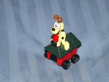1990 GARFIELD THE CAT  ODIE THE DOG KENNEL CAR MADE BY ERTL FREE UK POSTAGE