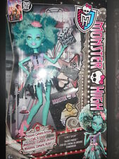 Monster High Honey Swamp Hauntlywood Mattel doll mib