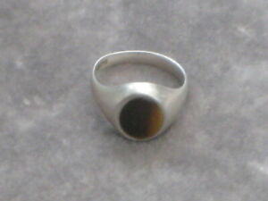 Men's hallmarked silver and tiger's eye signet ring