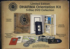 DHARMA Orientation Kit: LOST Stagione 5 in italiano 5 dvd + cd + vhs + 3 toppe