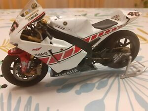 Moto ALTAYA 1/12 No minichamps Yamaha M1 Rossi Valencia 2005